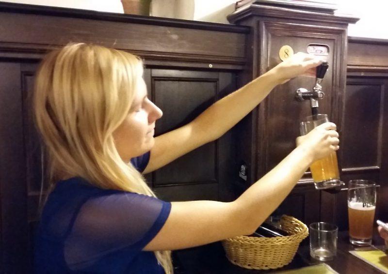 0 02 05 068ae41d85fc27e54f1a73359cd06b6dbcaa254d689466d5775e8b4ef831b000 full - Gdzie napić się grzanego wina lub piwa? Moje ulubione miejsca w Sofii