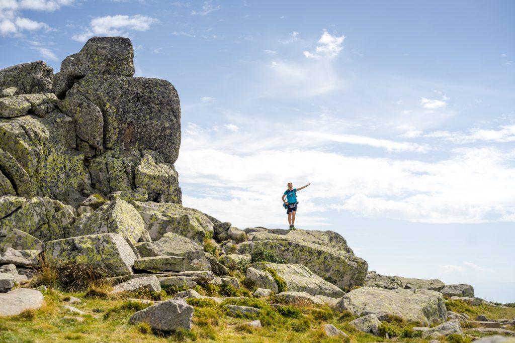 dziewczyna na  skałach, góry witosza, czarny wierch